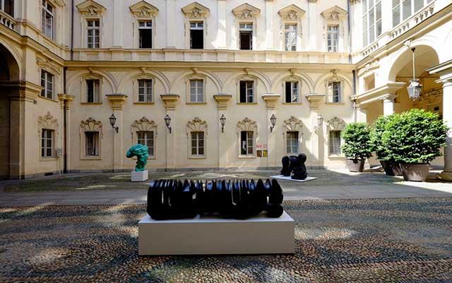 Torino Arte alle Corti 00